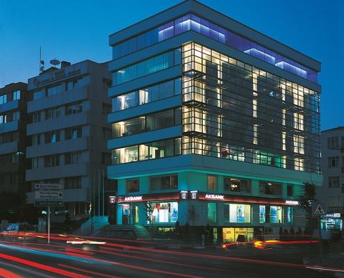 Yorum Agency Office Building Renovation